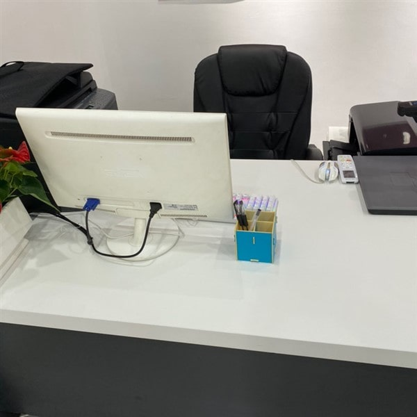 Top bàn làm việc được nhiều doanh nghiệp ưa chuộng